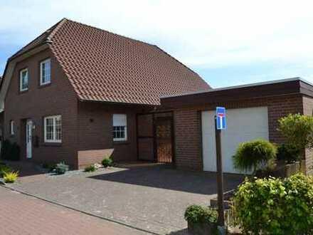 Gepflegte Doppelhaushälfte mit viel Platz in guter, ruhiger Wohnlage in Hoykenkamp.*Garage*Rollläden