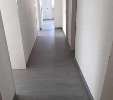 Frisch renovierte 3-Raum-Wohnung mit Balkon und Küche in Bamberg