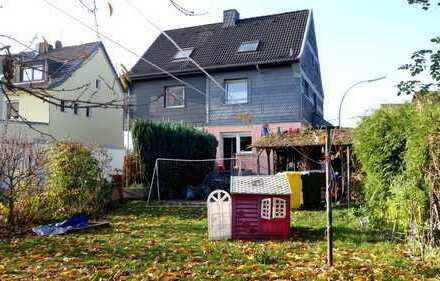 Doppelhaushälfte mit 4 Zimmern, Garten und Terrasse