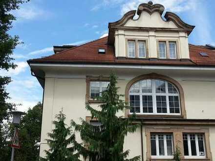 2 zusammenhängende Zimmer in schöner Altbau Villa