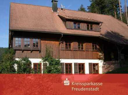 Beeindruckendes Schwarzwaldhaus in traumhafter Lage in Alpirsbach-Ehlenbogen