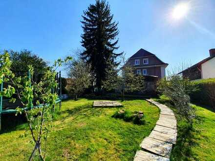 +++ Exklusives Wohnhaus mit großem Garten, EBK, viel Platz und einem ganz besonderen Flair +++