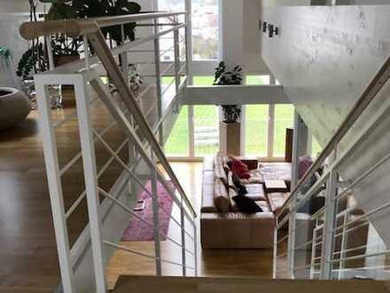 Hochwertige 5-Zimmer-Galeriewohnung mit Aufzug, Loggia, Einbauküche und Garage in Owingen