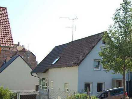 Liebevolles EFH plus Gartengrundstück mit vielen Ausbaumöglichkeiten im OT Fürfeld zu verkaufen!