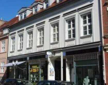 2-Zimmer-Wohnung mit 106 m² mit Kamin und besonderem Ambiente in Top-Innenstadtlage