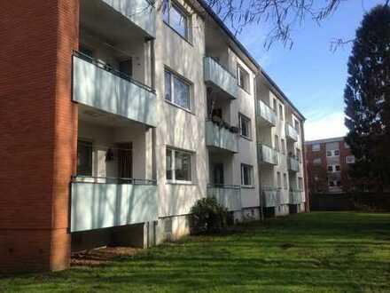 Schicke 2 Zimmer Wohnung mit EBK und Balkon in Neumünster zu vermieten