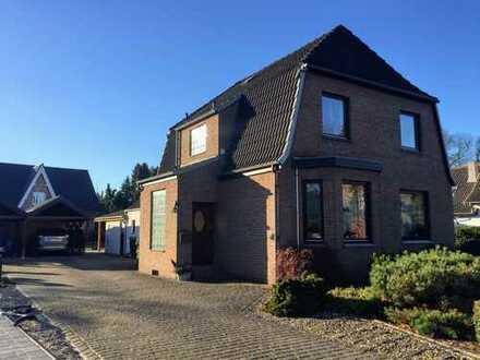 Freistehendes Einfamilienhaus mit schönem Grundstück in guter und ruhiger Lage!
