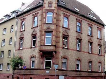 Gepflegte 5-Zimmer-DG-Wohnung mit EBK in Landau