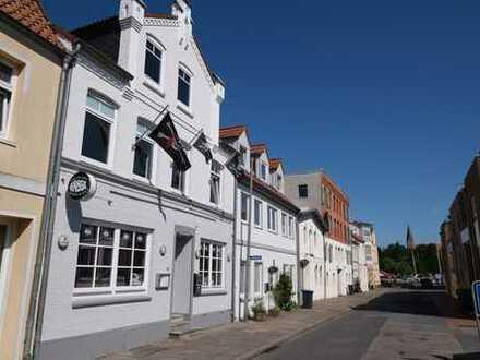 Wohn- u. Geschäftshaus in der Altstadt von Eckernförde im attraktiven Hafenquartier.