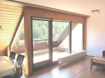 Schicke 2-Zimmer-Wohnung mit uneinsehbarer Loggia, teilmöbliert, TG-Platz , sofort frei ......
