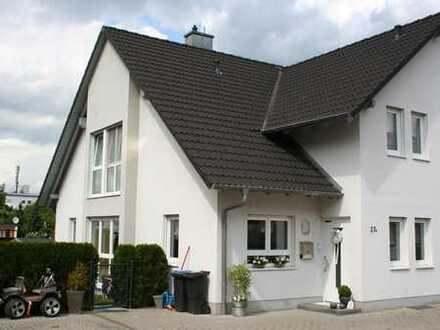 Doppelhaushälfte in Großwallstadt,ruhige Lage !!! INFO-UPDATE!!!