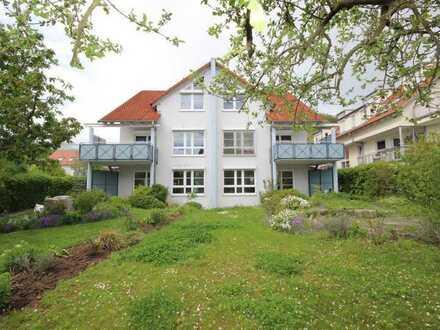 Hochwertige und sonnige Doppelhaushälfte mit Einliegerwohnung, Garage und Kaminofen in TÜ-Hirschau