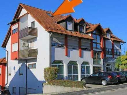 Exklusive, gepflegte 2-Zimmer-Maisonette-Wohnung mit Balkon und EBK im Zentrum von Großbettlingen