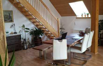 Anspruchsvolle Maisonetten-Wohnung mit Südbalkon, separatem Hauseingang, Garage und Stellplatz