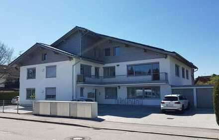 Stilvolle, modernisierte 1-Zimmer-Wohnung mit Balkon und EBK in Geretsried