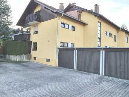 Interessante 3 Zi. Mais. Wohnung mit 2 Bädern, Einbauküche und Stellplatz in sehr ruhiger Lage