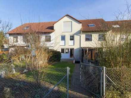Helles RM-Haus mit fünf Zimmern in Augsburg (Kreis), Königsbrunn