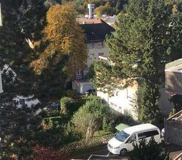 Ruhig gelegene, lichtdurchflutete, frisch renovierte 3-Zimmer-Wohnung in Baden-Baden