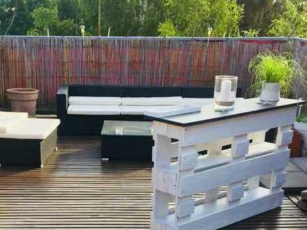 Freundliche 3-Zimmer-Wohnung mit 40qm Dachterrasse und Einbauküche in Bremen
