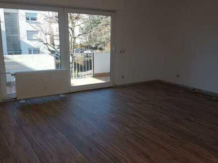Erstbezug nach Sanierung! Großzügige 3 Zimmerwohnung in guter Lage!