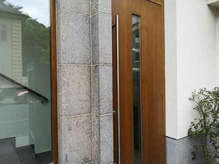 Repräsentative, renovierte 3 Zi. Wohnung in der besten Lage des Westends