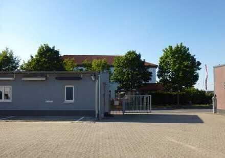 EG-Bürofläche mit EBK, Archiv & Sanitärbereich (renoviert) !!
