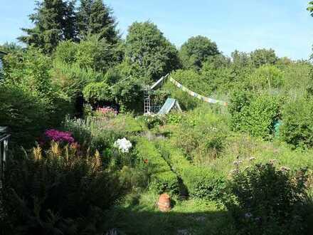Leben im denkmalgeschützten Fachwerkhaus mit großem Biogarten