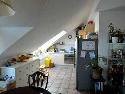 Helle 3,5 Zimmer-Dachgeschosswohnung mit Wohnküche in Heilbronn – nur wenige Minuten vom Zentrum