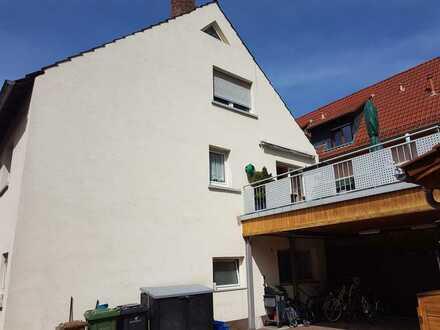 Solides 3 Familienhaus im Ortskern von Heddesheim.