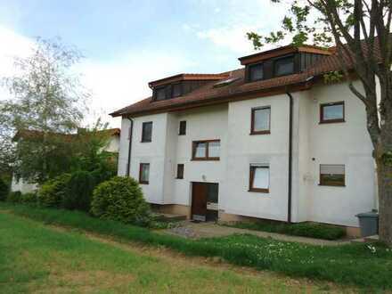 1424 – Modernisiert 2013!!! Tolle 3 Zi.- Pärchenwohnung mit schicker EBK und Balkon in Feldrandlage
