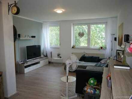 EINFACH EINZIEHEN: Großzügige 2-Zimmer-ETW mit Loggia in Linkenheim-Hoch.