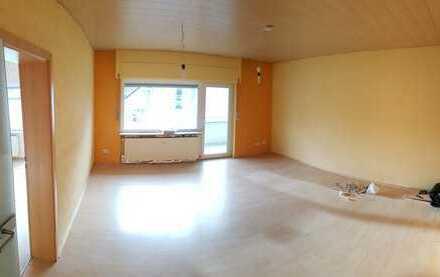 Helle 3-Zimmer-Wohnung mit Balkon und Einbauküche in Leimen Zentrum