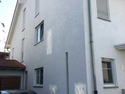 5-Zimmer-Doppelhaushälfte in sehr ruhiger kinderfreundlicher Lage in Alsbach-Hähnlein, OT Hähnlein