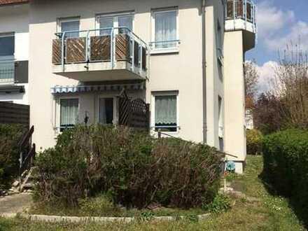 Top gepflegte und helle 2 ZKB Wohnung mit Terrasse und großen Garten in ruhiger Lage von Hockenheim