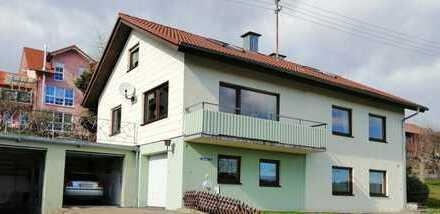 Provisionsfrei: Einfamilienhaus mit 2 Garagen und 1 Wohnwagengarage