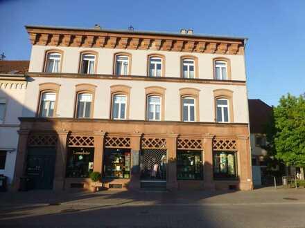 Sanierte 3,5-ZKB-Wohnung mit Balkon in zentraler Lage in Edenkoben