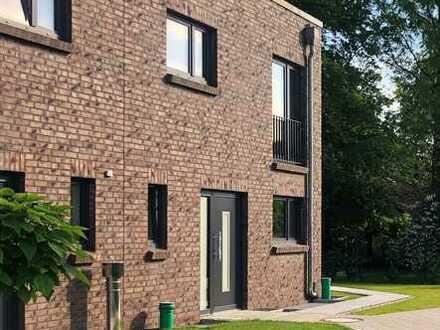 Gemütlich. Individuell. Modern. - Neubau-Doppelhaushälfte in rückwärtiger Lage