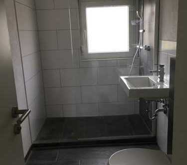 Schöne drei Zimmer Wohnung in Esslingen (Kreis), Neckartailfingen