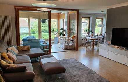 Neuwertige 3,5-Zimmer-Wohnung mit Wintergarten und Balkon in Biberach an der Riß