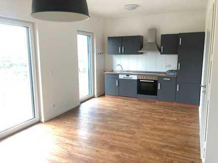 ab 01.09. - Moderne, helle 2 Raumwohnung mit Balkon und Einbauküche