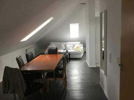 Modernisierte 2,5-Zimmer-Dachgeschosswohnung mit Einbauküche in Heilbronn