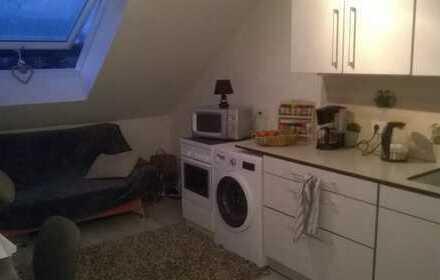 Attraktive 1-Zimmer-DG-Wohnung mit Einbauküche in Hannover