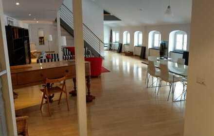 große 2 Raum Dachgeschoß Maisonette Atelier, Büro