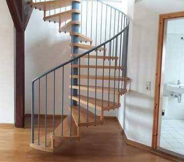 helle 2-Zimmer-Maisonette-Wohnung mit Balkon und Einbauküche in Leipzig