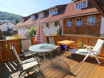 Große 6-Zimmer Wohnung mit Terrasse, Gartenanteil, 2 Stellplätzen - teilbar in 2 Wohnungen!