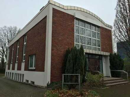 Ehemaliges Gemeindehaus in Dortmund an der B1