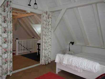 romantische Torbogen-Wohnung (möbliert)