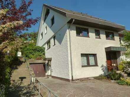 Helle, ruhige, renovierte Doppelhaushälfte mit sieben Zimmern und EBK in Sandhausen