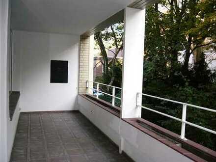 Stilvolle, gepflegte 3-Z-Hochparterre-Whng mit Balkon & Einbauküche am Nordpark
