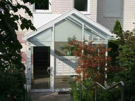 Charmante helle 3-Zimmer-Wohnung mit Balkon und EBK in Langen